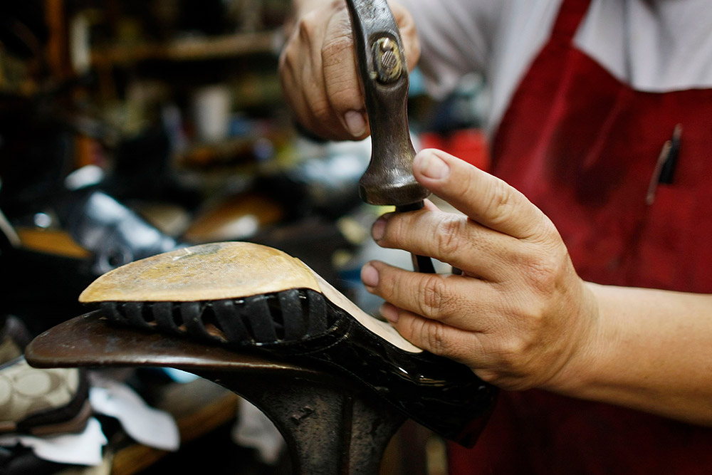 shoe repairs ferntree gully